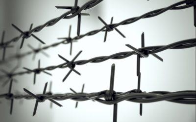 Macron fait de la France une prison.