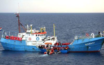 Immigration: la police grecque arrête les membres d'une ONG